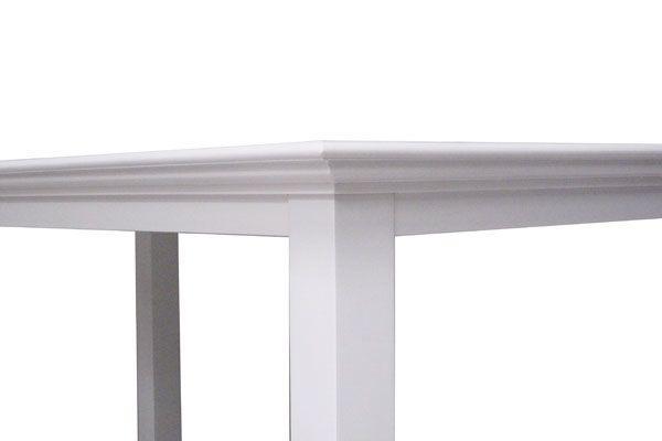 Se spisebord her - Virkelig flot spisebord i hvid i klassisk ...